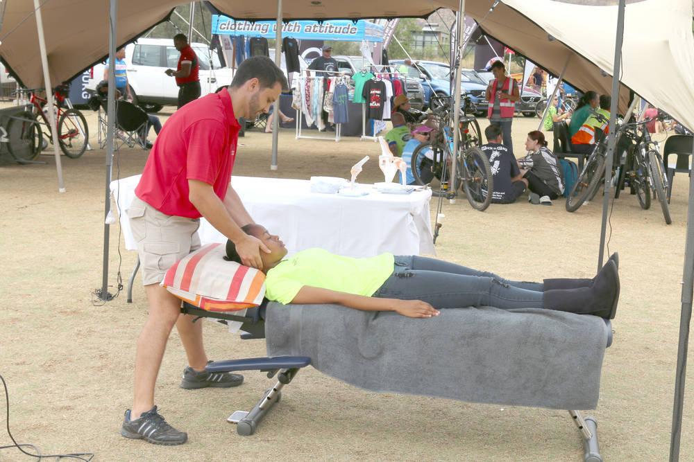 La quiropráctica alivia los dolores de columna derivados del ciclismo